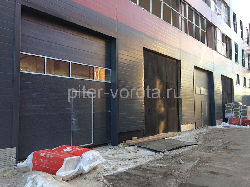 Гаражные подъёмно-секционные ворота в Бугровском