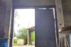 Ворота промышленные подъёмно-секционные Doorhan серии ISD01 в Большом Сампсониевском фото 1 до