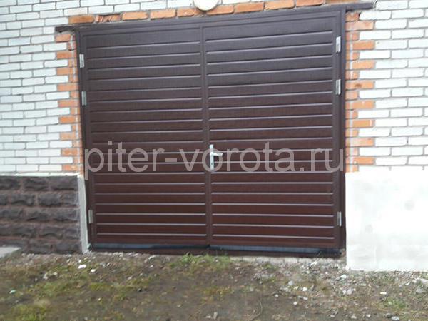 Гаражные подъёмно-секционные ворота в Житково