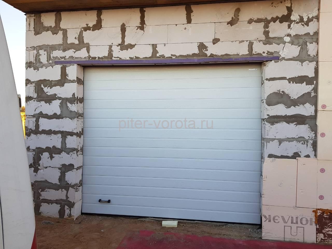 Гаражные подъёмно-секционные ворота Doorhan RSD01 в Кобралово