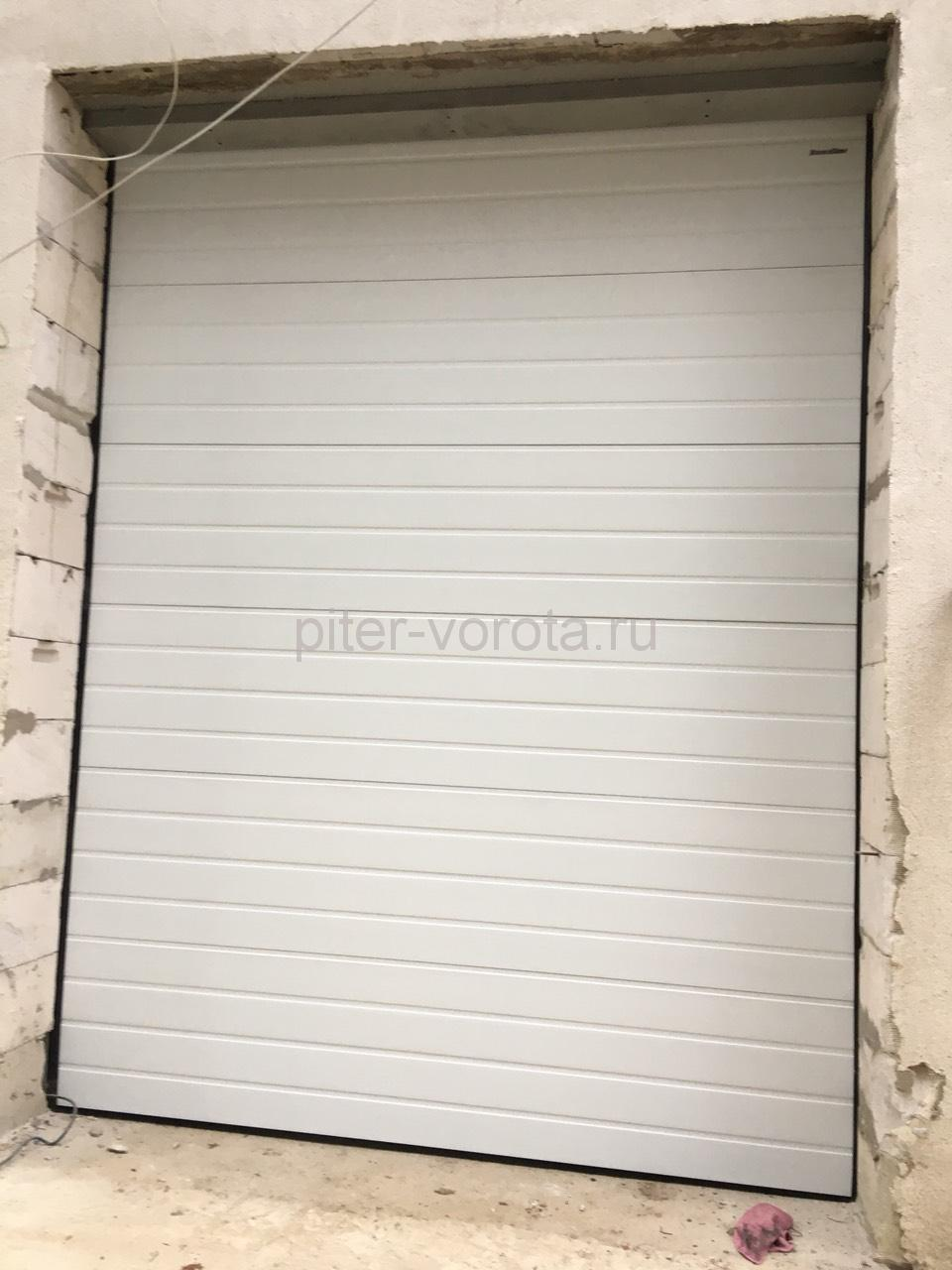Ворота гаражные подъёмно-секционные Doorhan серии RSD02 в Васкелово