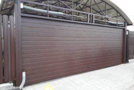 Ворота гаражные подъёмно-секционные Doorhan серии RSD02 в Рощино фото 1 после
