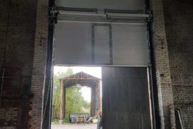 Ворота промышленные подъёмно-секционные Doorhan серии ISD01 в Большом Сампсониевском фото 3 после