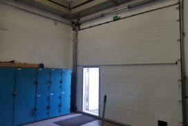 Ворота промышленные подъёмно-секционные Doorhan серии ISD01 в Пикалёво фото 2 после
