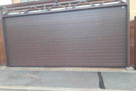 Ворота гаражные подъёмно-секционные Alutech серии Classic в Зеленогорске фото после