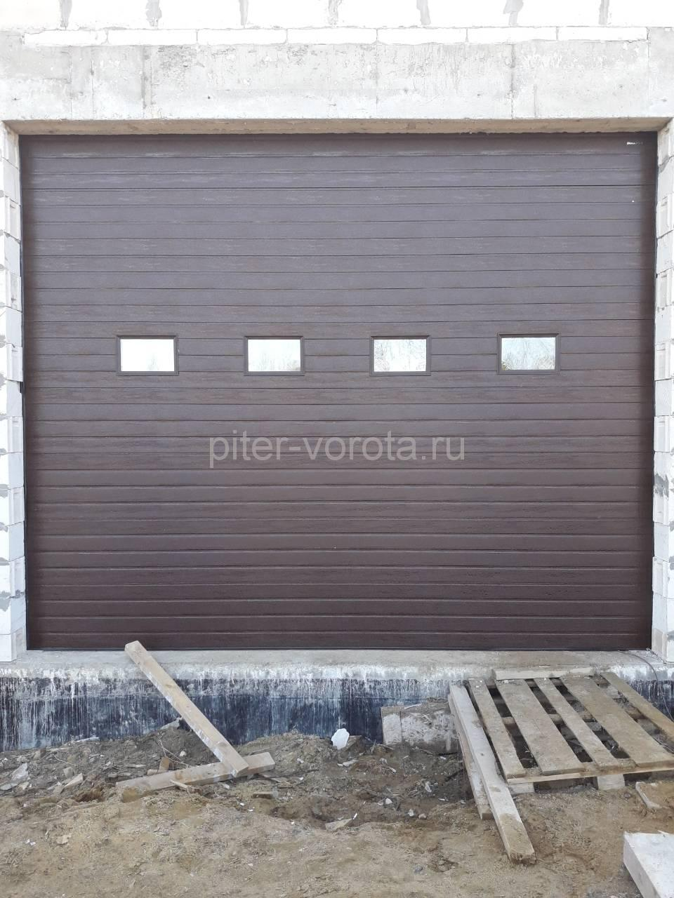 Промышленные подъёмно-секционные ворота Doorhan ISD01 в Хиттолово