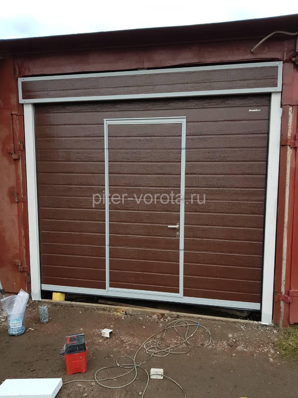 Гаражные подъёмно-секционные ворота Doorhan RSD02 на ул.Кржижановского