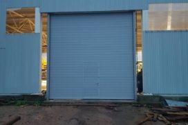 Ворота промышленные подъёмно-секционные Doorhan серии ISD01 в Серебрянском фото после 1