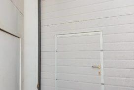 Ворота промышленные подъёмно-секционные Doorhan серии ISD01 в Пикалёво фото 4 после