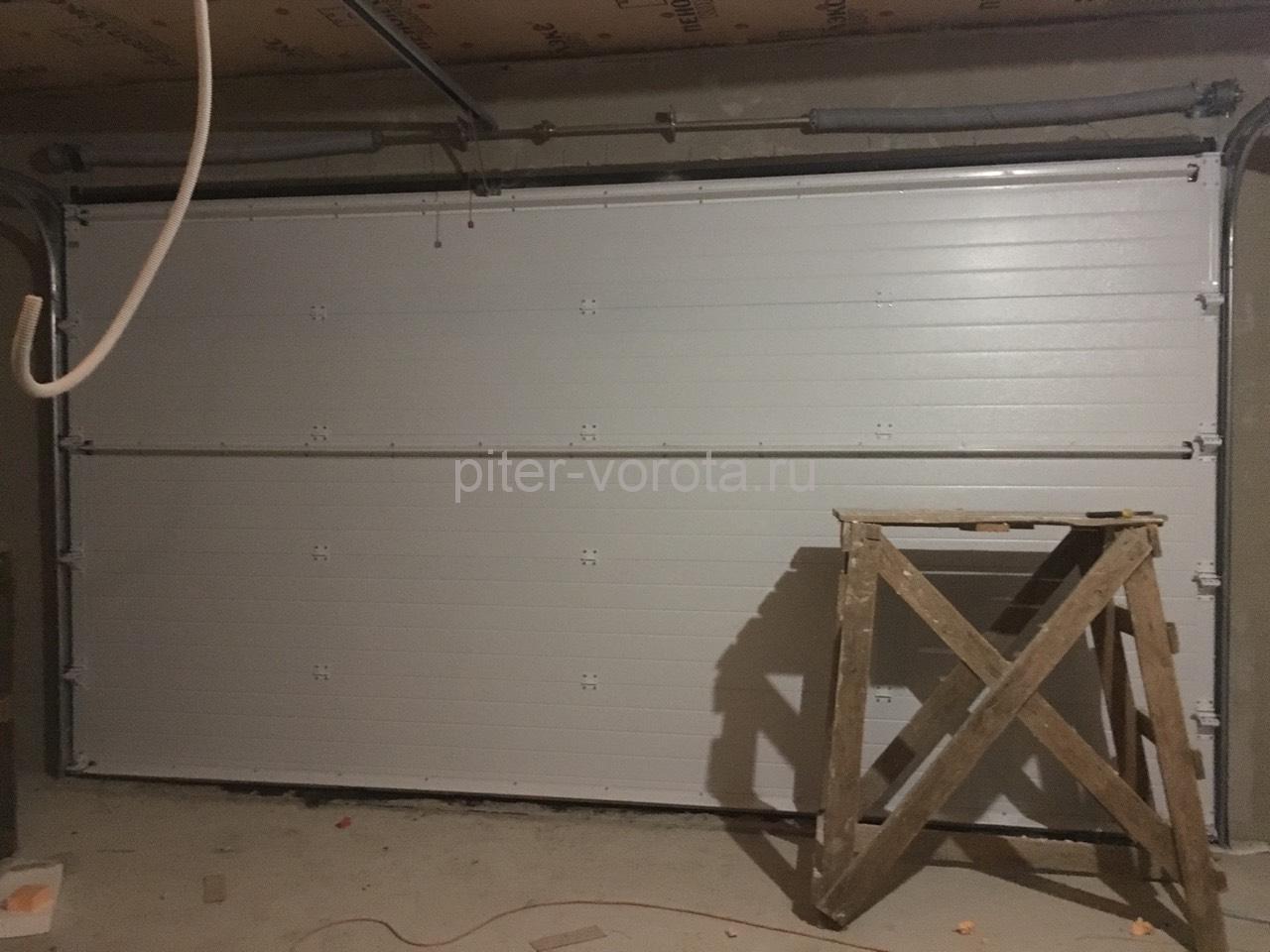 Ворота гаражные подъёмно-секционные Doorhan серии RSD01 во Владимировке