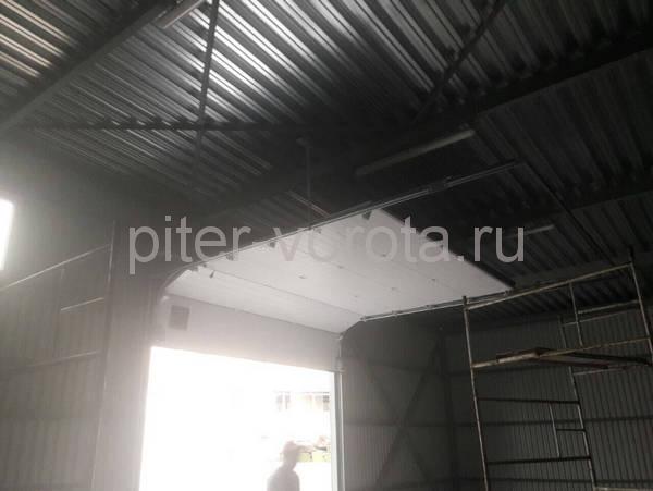 Промышленные подъёмно-секционные ворота на шоссе Революции