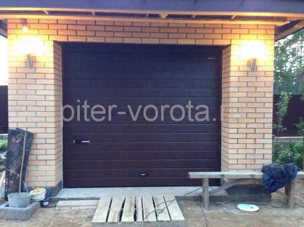 Гаражные подъёмно-секционные ворота в Сертолово