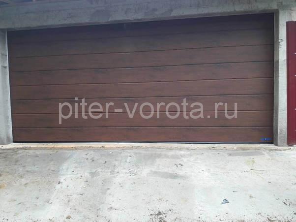 Гаражные подъёмно-секционные ворота в Токсово