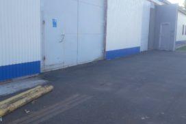 Ворота промышленные подъёмно-секционные Doorhan серии ISD01 в Пикалёво фото 1 до