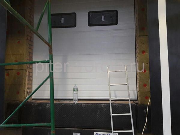 Промышленные подъёмно-секционные ворота в Санкт-Петербурге, ст.м. Рыбацкое