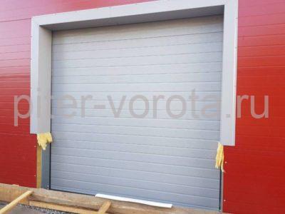 Два комплекта гаражных подъёмно-секционных ворот на пр. Александровской Фермы, фото 1
