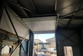 Два комплекта гаражных подъёмно-секционных ворот на пр. Александровской Фермы, фото 3
