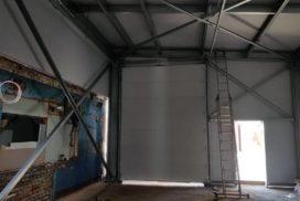 Два комплекта гаражных подъёмно-секционных ворот на пр. Александровской Фермы, фото 5