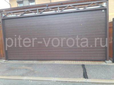 Гаражные подъёмно-секционные ворота Alutech Classic (премиум) в Зеленогорске, фото 1