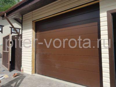 Ворота гаражные подъёмно-секционные Alutech Classic в Семиозёрье