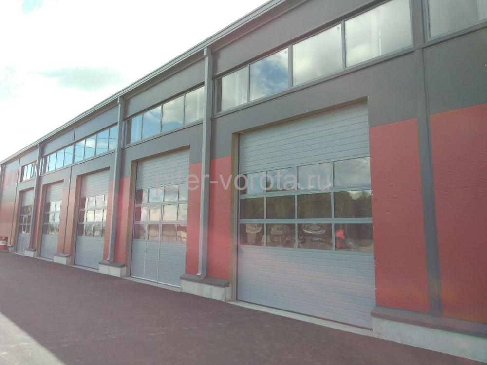 Промышленные подъёмно-секционные ворота Alutech Protrend на Софийской