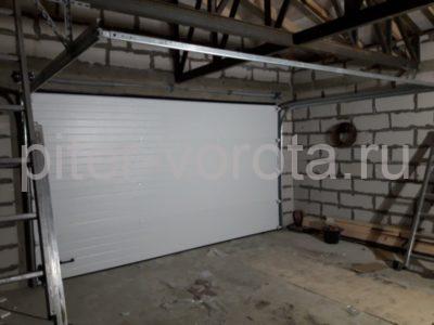 Гаражные подъёмно-секционные ворота DoorHan RSD02 в д. Волковицы, фото 1