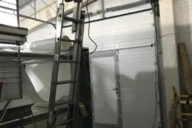 Промышленные подъёмно-секционные ворота DoorHan ISD01 в Корабицино, фото 3