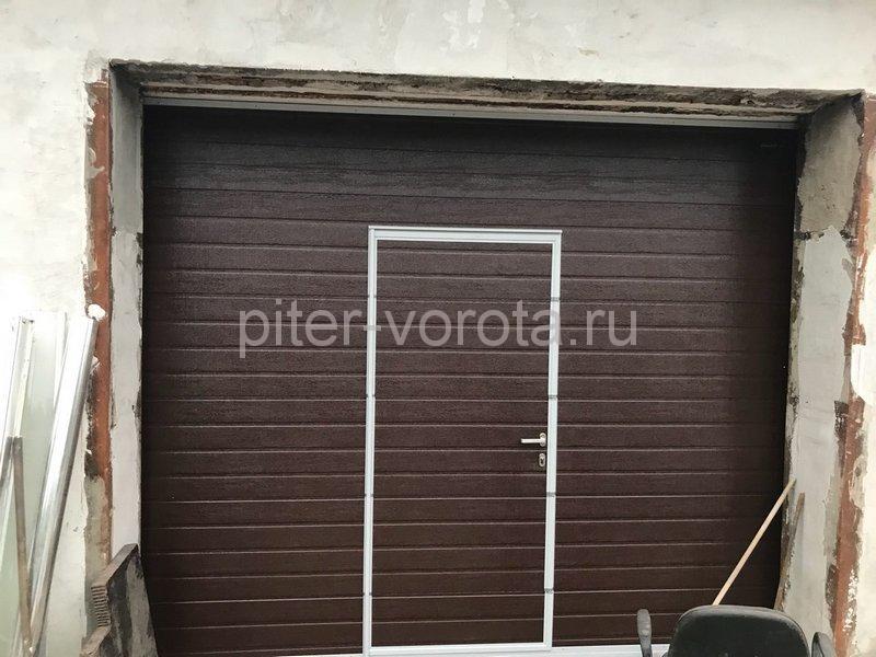 Гаражные подъёмно-секционные ворота Doorhan RSD02 в Полюстровском