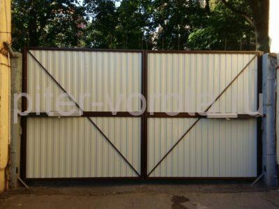Уличные распашные ворота Doorhan на Гагарина в СПБ, фото 1