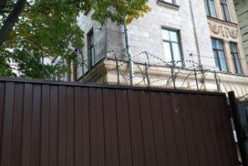 Уличные распашные ворота Doorhan на Гагарина в СПБ, фото