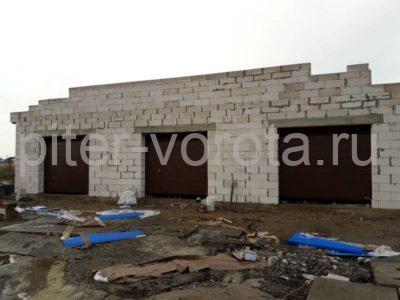 Гаражные подъёмно-секционные ворота Hormann RenoMatic в Аннино, фото 1