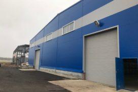 Четыре комплекта промышленных подъёмно-секционные ворот DoorHan ISD01 и гаражных RSD02 в Мурино, фото 3