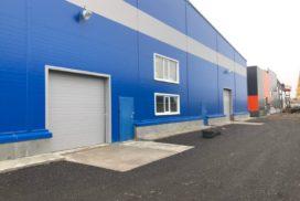 Четыре комплекта промышленных подъёмно-секционные ворот DoorHan ISD01 и гаражных RSD02 в Мурино, фото 6