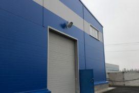 Четыре комплекта промышленных подъёмно-секционные ворот DoorHan ISD01 и гаражных RSD02 в Мурино, фото 9