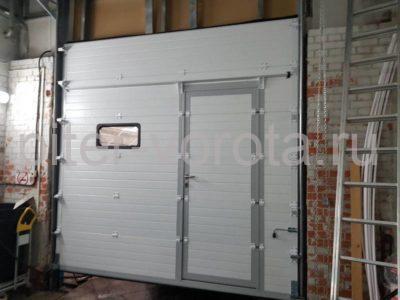 Промышленные подъёмно-секционные ворота DoorHan ISD01 на Мебельной, фото 1