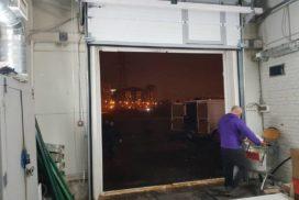 Промышленные подъёмно-секционные ворота DoorHan ISD01 на Мебельной, фото 2