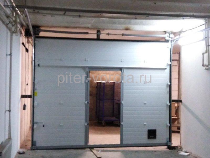 Ворота промышленные подъёмно-секционные DoorHan ISD01 на ул. Степана Разина