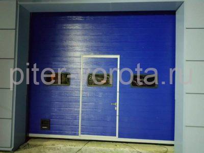 Промышленные подъёмно-секционные ворота DoorHan ISD01 в Киришах, фото 1