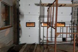 Промышленные подъёмно-секционные ворота DoorHan ISD01 в Киришах, фото 2