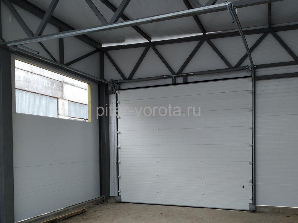 Ворота промышленные подъёмно-секционные DoorHan ISD01 в Кировске