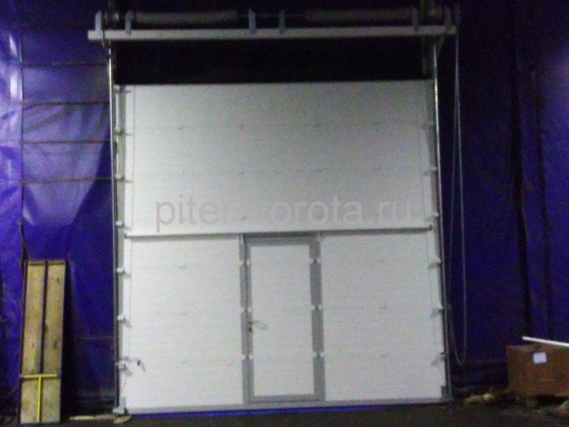 Ворота промышленные подъёмно-секционные DoorHan ISD01 в м.Верево