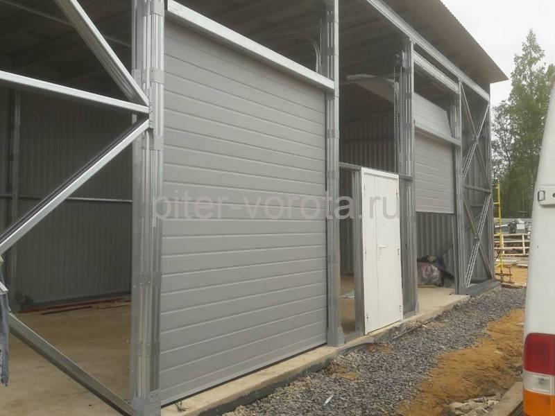 Промышленные подъёмно-секционные ворота DoorHan ISD01 в Юкки