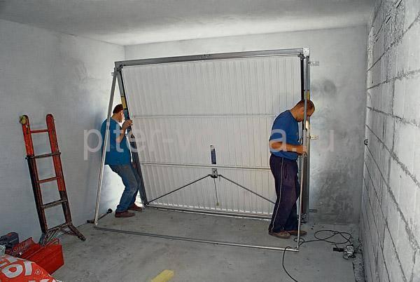 Установка секционных ворот