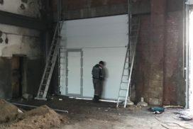 Промышленные подъёмно-секционные ворота DoorHan ISD01 в п.Рощино, фото 2