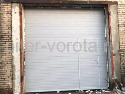 Промышленные подъёмно-секционные ворота DoorHan ISD01 в п.Рощино, фото 1
