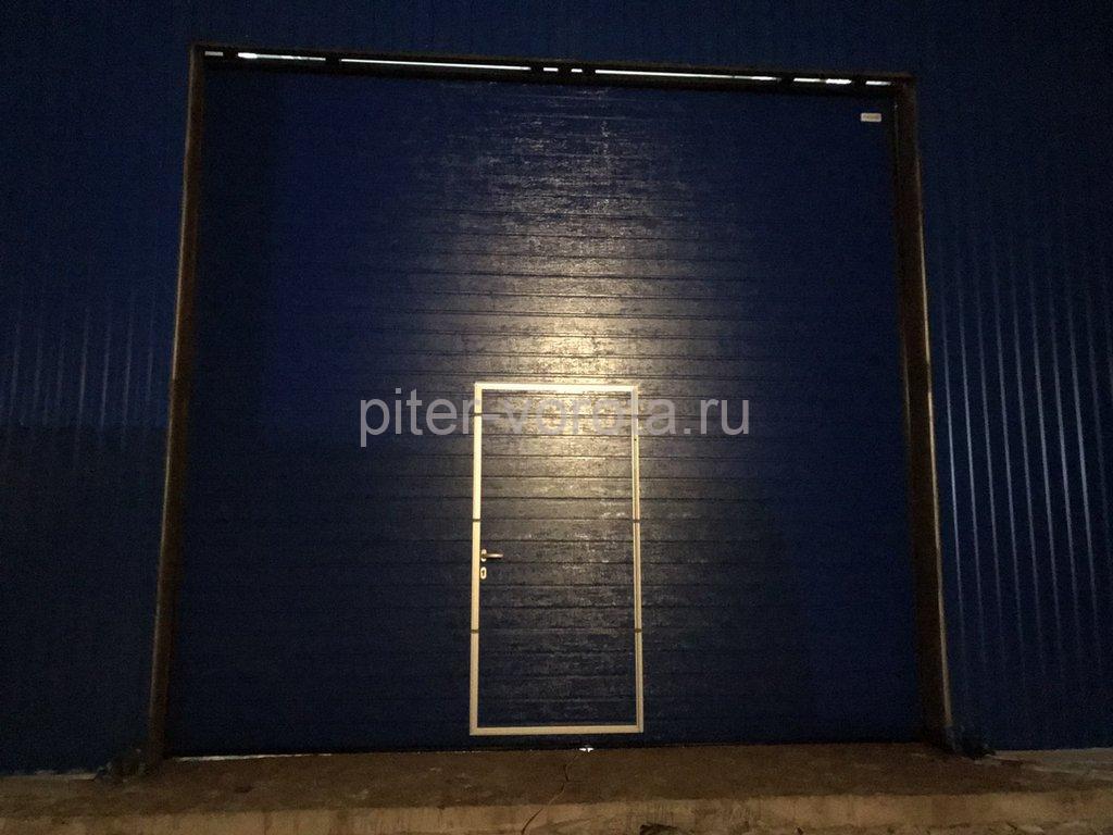 Ворота промышленные подъёмно-секционные Alutech ProTrend в Луге