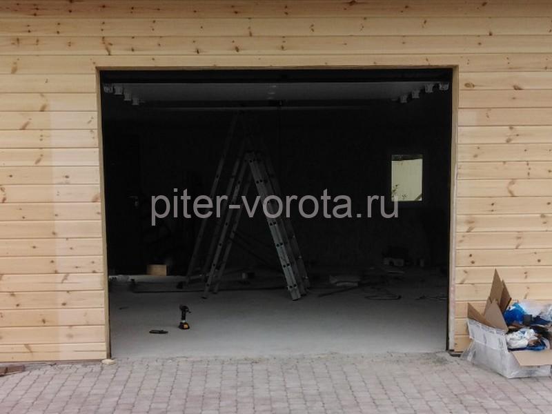 Гаражные подъёмно-секционные ворота DoorHan RSD01 в Агалатово