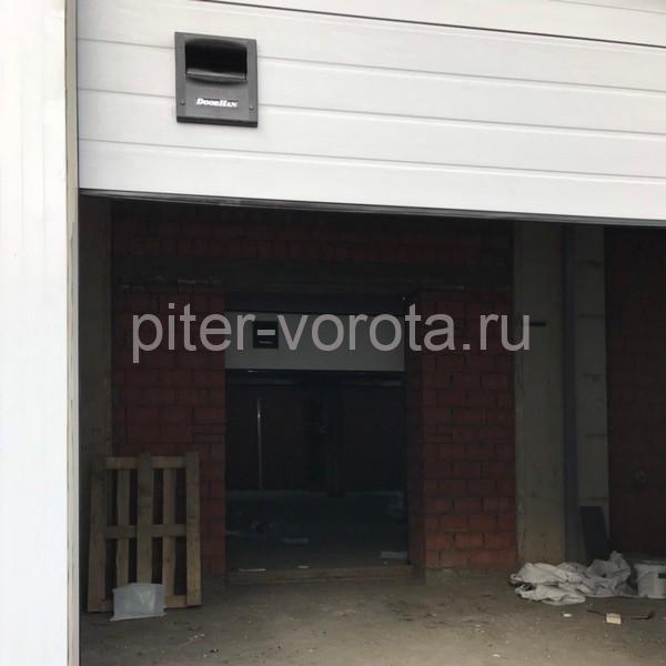 Гаражные подъёмно-секционные ворота DoorHan RSD02 на пр. Обуховской Обороны