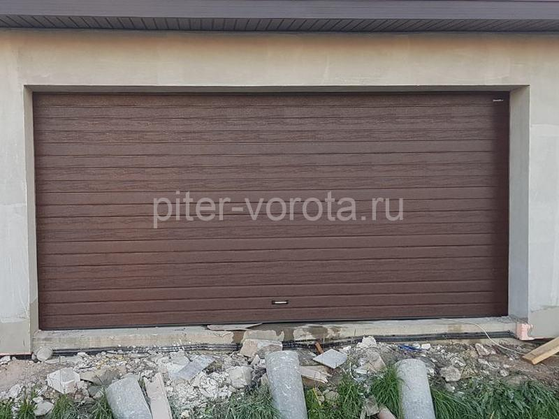 Ворота гаражные подъёмно-секционные DoorHan RSD02 в Романовке